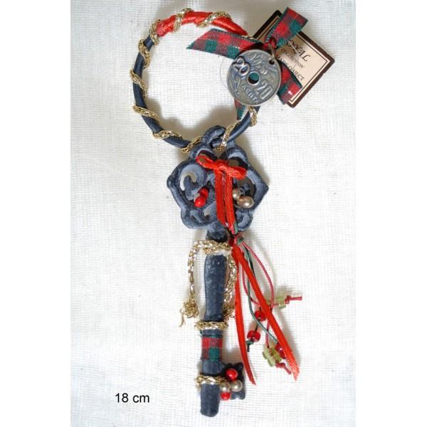 Kλειδί σιδερένιο Vintage περασμένο σε κρίκο